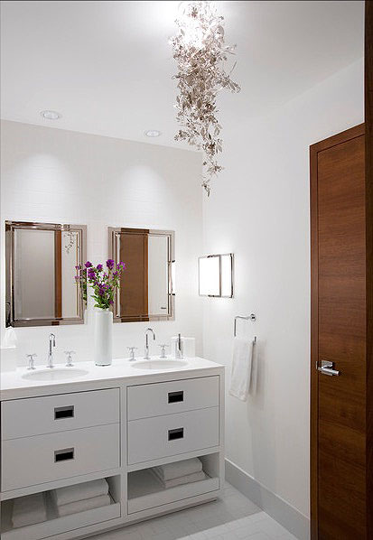 Layered Lighting Bathroom Wall Decor Ideas