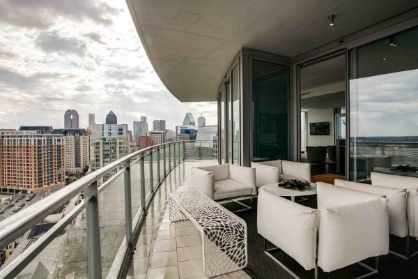 glass balcony design