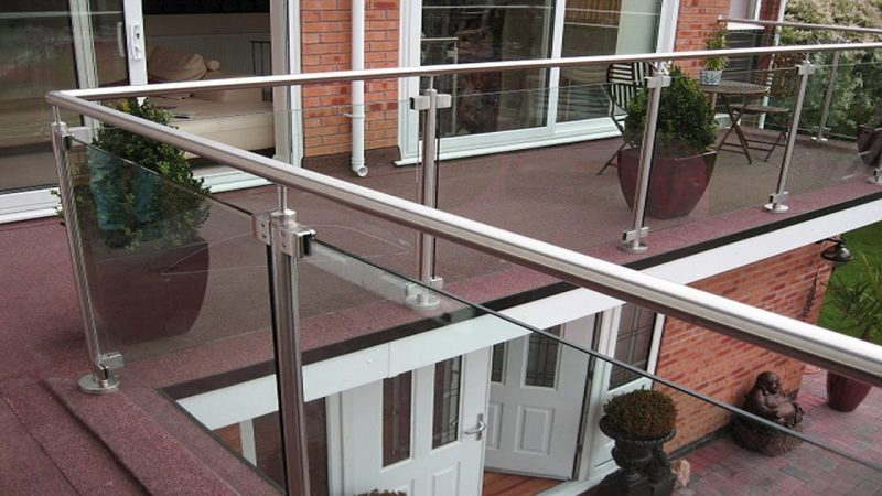 modern metal balcony design