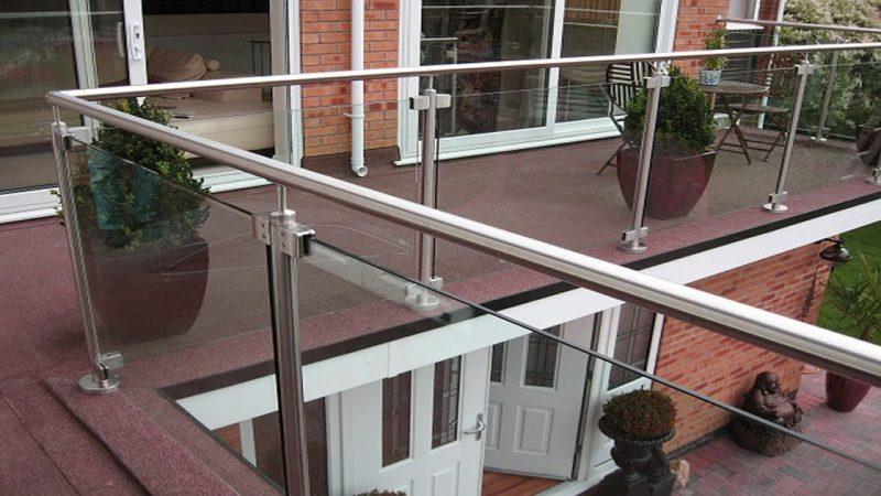 modern metal balcony design