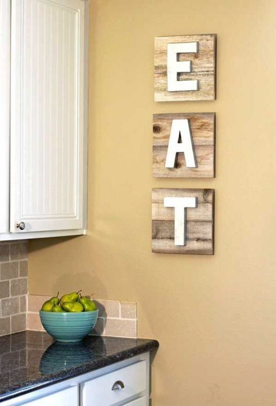 pallet boards with EAT letters is a popular idea for decorating kitchens