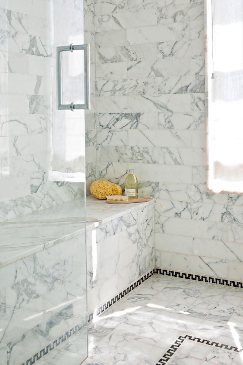 white bathroom decor