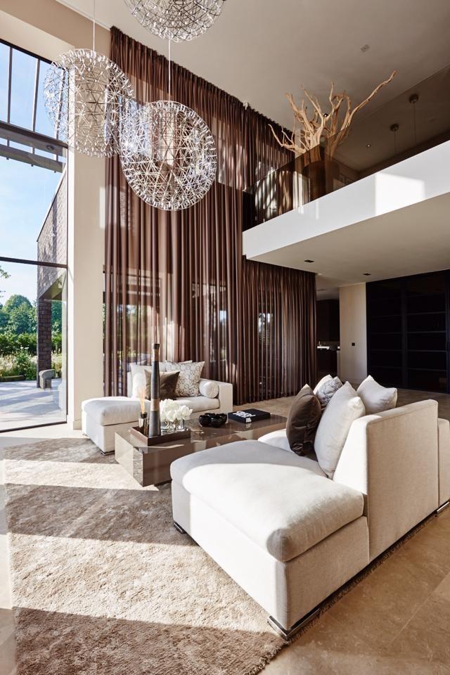 Minimalist Mid Century Modern Living Room