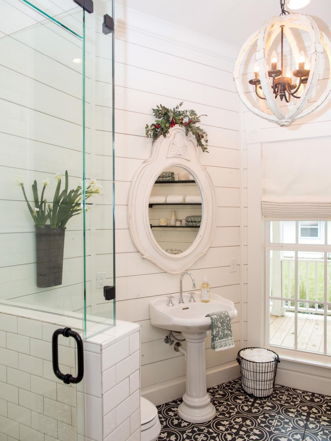 tile patterns for small bathroom