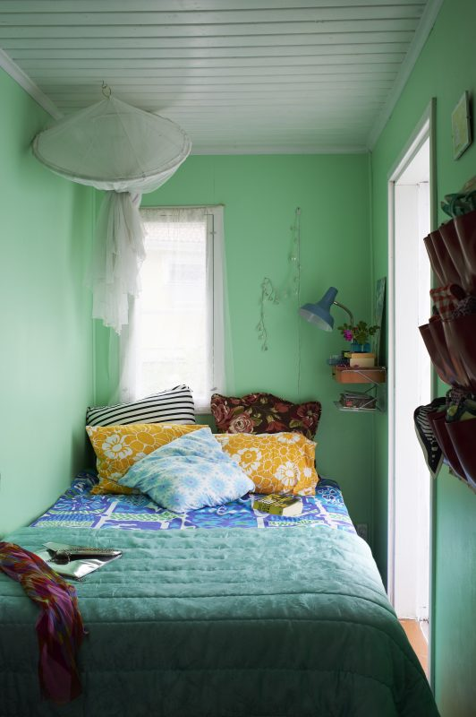 Colourful Bedrooms Wall Decor modern bedroom ideas