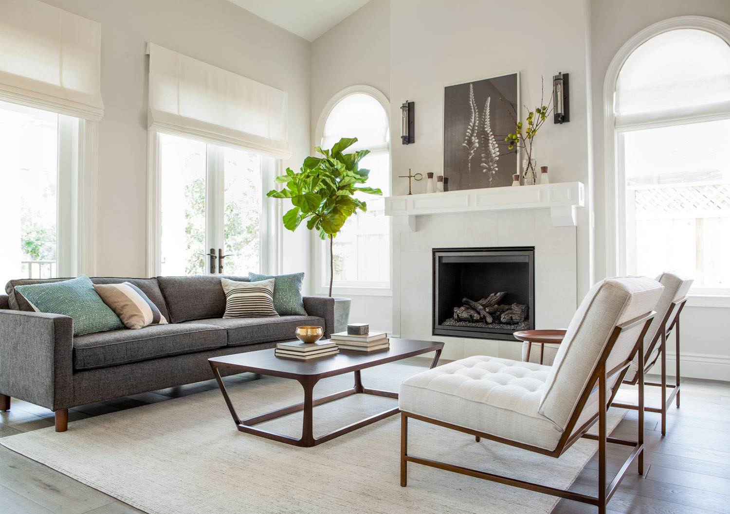 how to decor living room wall