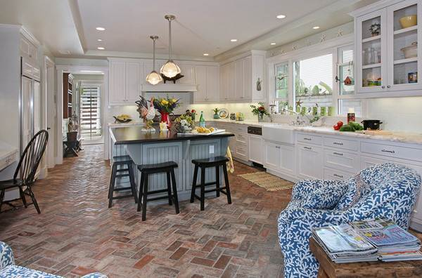 San Clemente Kitchen Floor